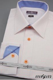 Fehér férfi slim ing, kék és narancssárga kiegészítőkkel
