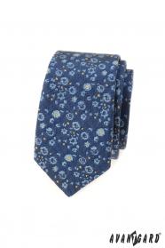 Keskeny nyakkendő, kék-sárga mintával
