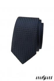 Sötétkék keskeny nyakkendő kockás 3D mintával