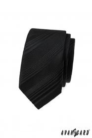 Fekete keskeny nyakkendő, különböző csíkokkal