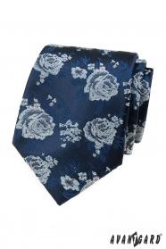 Kék nyakkendő, fehér rózsák