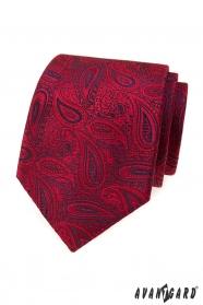 Piros nyakkendő paisley motívummal