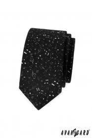 Fekete vékony nyakkendő, zenei jegyzetek