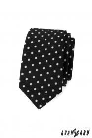 Fekete keskeny nyakkendő, fehér pöttyökkel