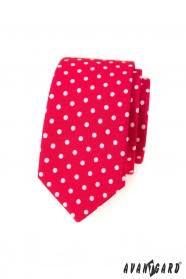 Piros keskeny nyakkendő fehér pöttyöskel