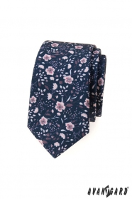 Kék keskeny nyakkendő rózsaszín virágokkal