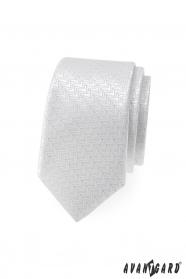 Fehér, vékony nyakkendő dekoratív csíkokkal
