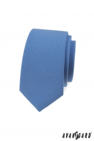 Kék keskeny nyakkendő