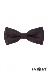 Csokornyakkendő díszzsebkendővel, kék és barna mintával