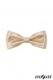 Arany csokornyakkendő díszzsebkendővel