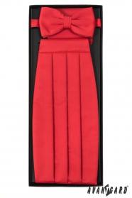 Vörös övkendő csokornyakkendővel és díszkendővel