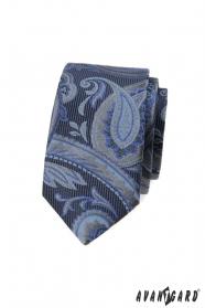 Kék keskeny nyakkendő modern mintával