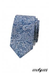 Kék keskeny nyakkendő paisley mintával