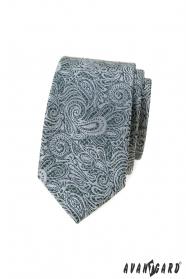 Vékony nyakkendő paisley mintával