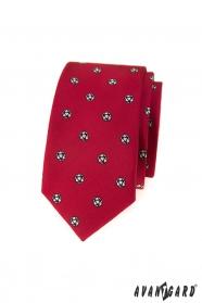 Piros keskeny nyakkendő futball-labda