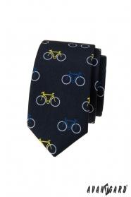 Kék keskeny nyakkendő, színes kerékpáros minta